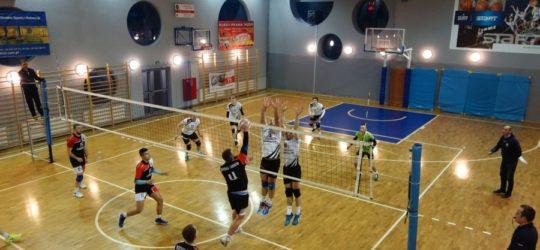 Seniorzy - 3 punkty zdobyte w Tarnowie !
